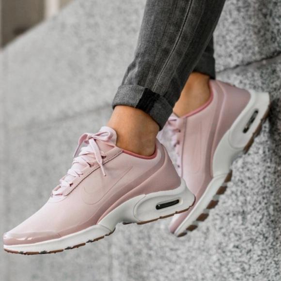 Nike air max jewel se sneakers NWT